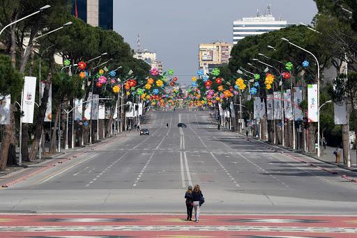 Albanija: Od danas ukinuta ograničenja kretanja građana i vozila