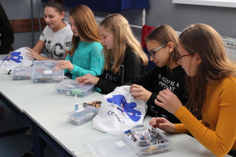 BiH: Švedska podržava IT Girls