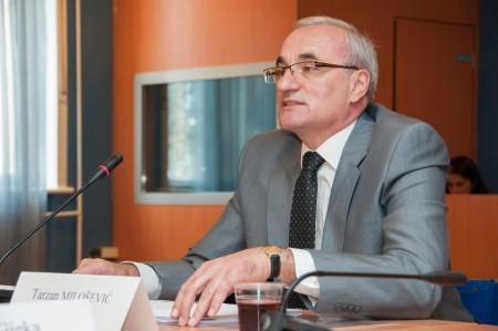Crna Gora: Ambasador u Srbiji veruje da će do rešenja doći u narednih deset dana