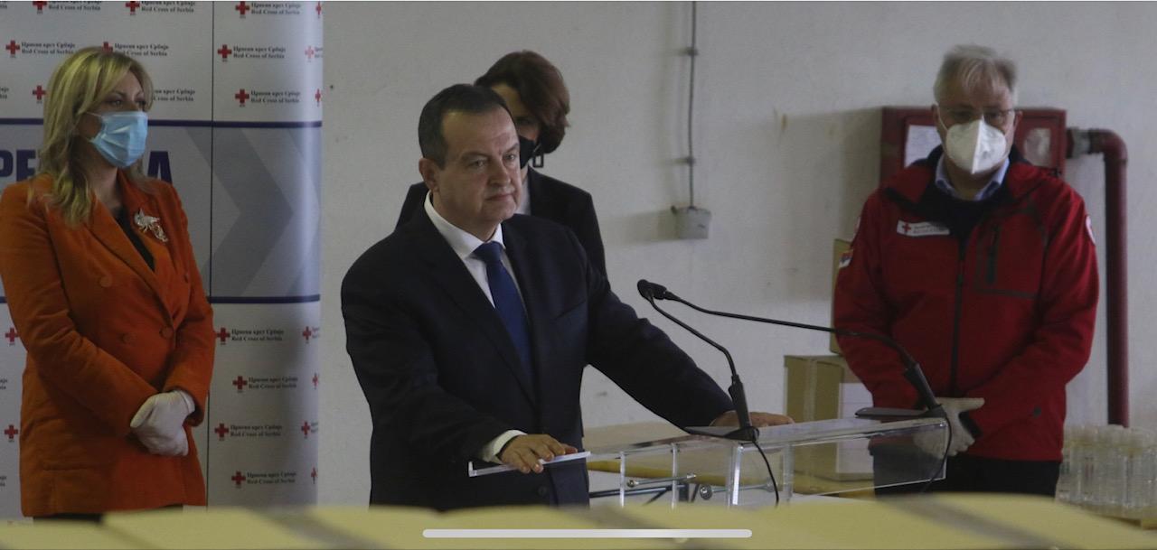 Srbija: Austrijski ministar spoljnih poslova predao Dačiću osam tona medicinske opreme
