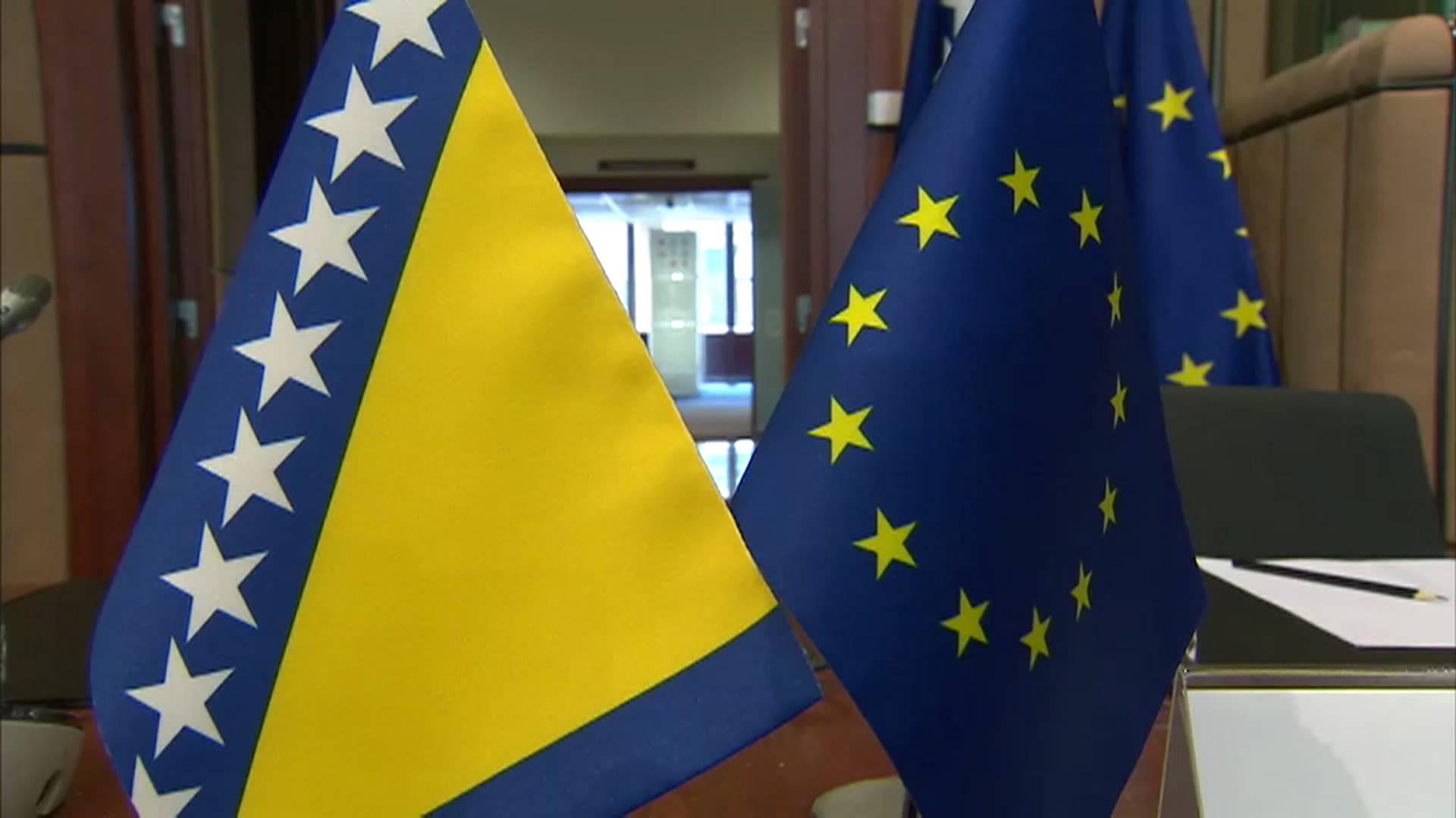 BiH: Međunarodna zajednica poziva vlasti da rade na poboljšanju obrazovanja