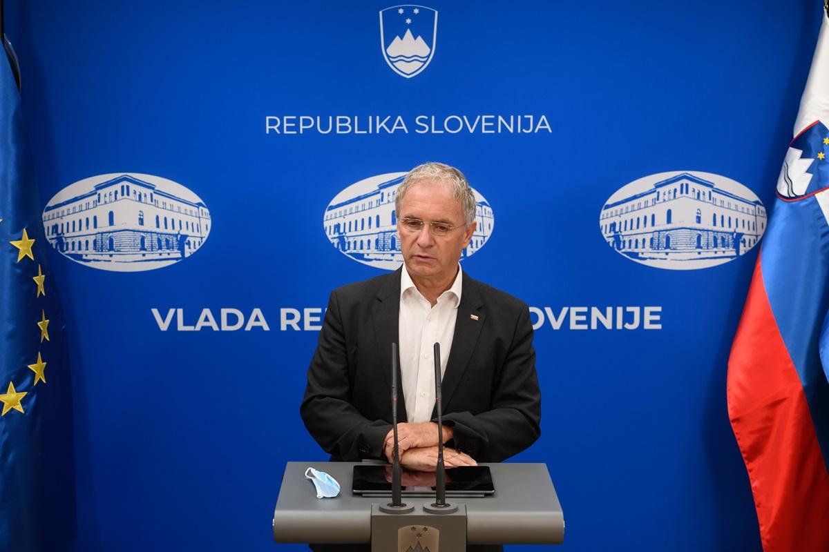 """Slovenija i zvanično Hrvatsku stavila na """"crvenu listu"""""""