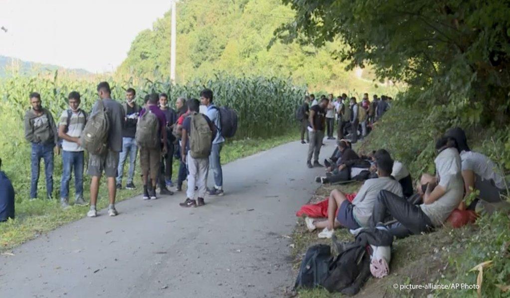 BiH: Država će imati problema sa migrantima dok ne zatvori granicu sa Srbijom, rekao je Ujić