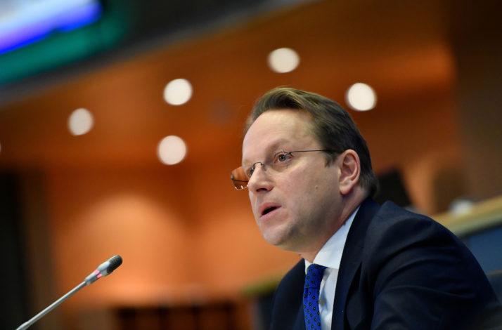 EU: Varhelyi razočaran zastojem pregovora o pridruživanju sa Albanijom i Severnom Makedonijom