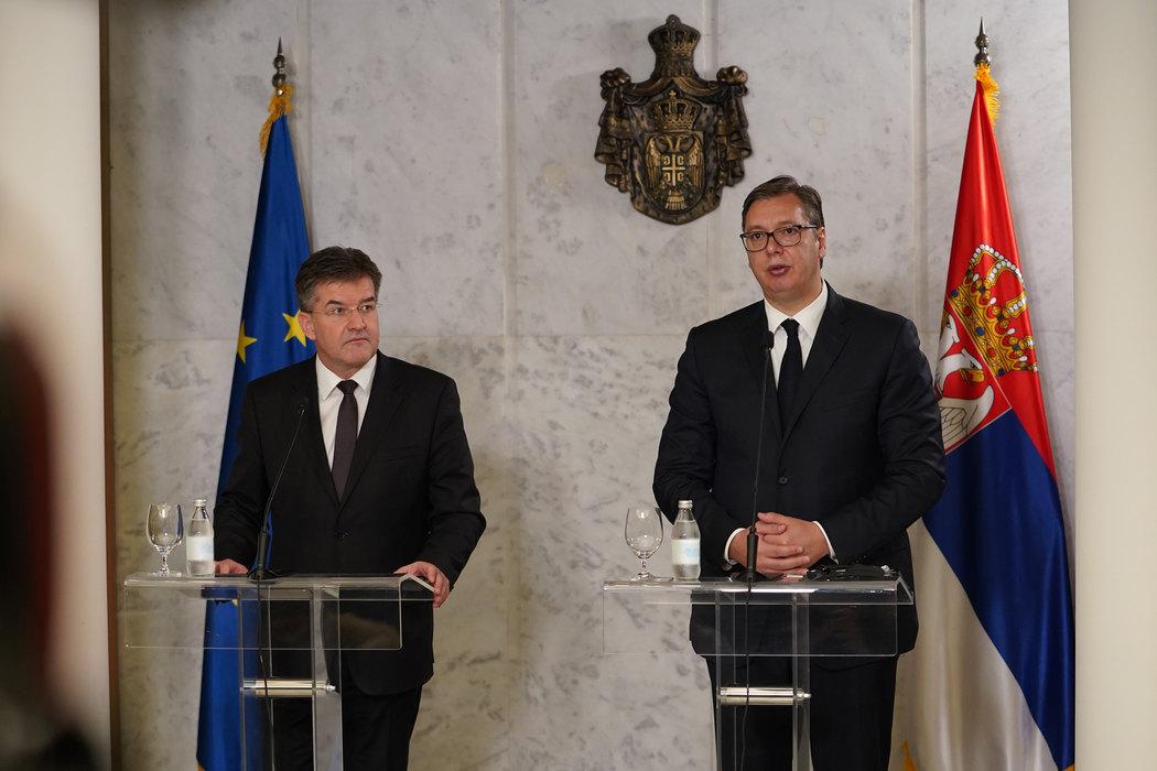 Srbija: Sve što je dogovoreno mora biti i ispunjeno, složili su se Lajčak i Vučić u Beogradu