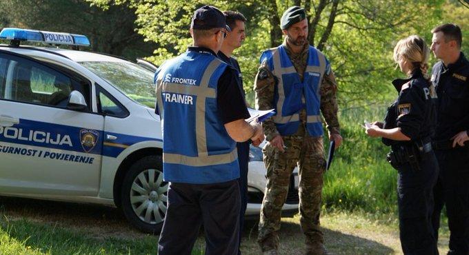 Crna Gora: Obalna straža presrela jahtu sa migrantima