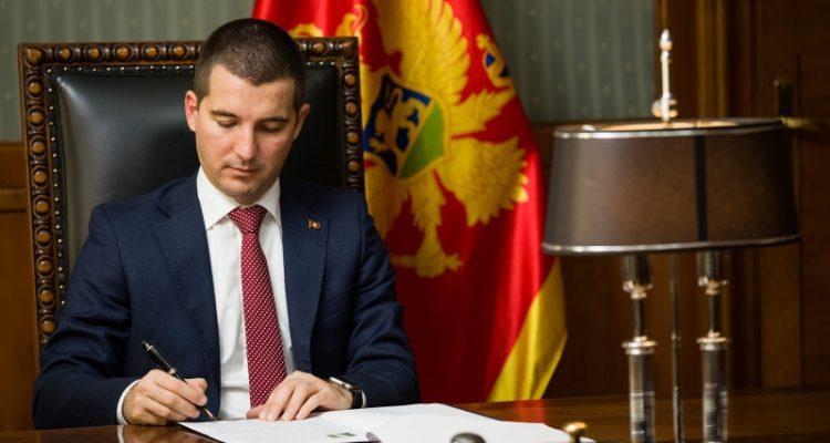 Crna Gora: Rekonstrukcija vlade neophodna za njeno jačanje, kaže Bečić