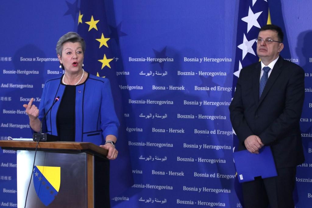 BiH: EU će pomoći u upravljanju migrantskom krizom, kaže Johansson