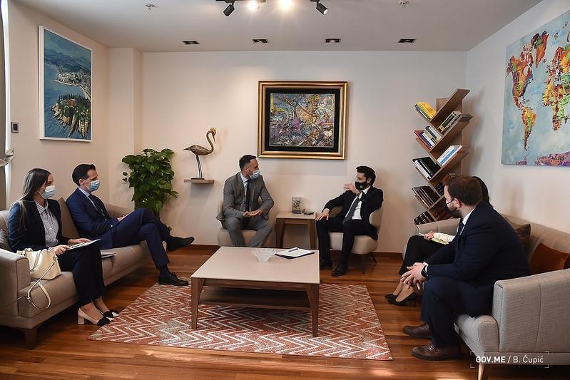 Crna Gora će biti magnet za investitore, tvrdi Abazović