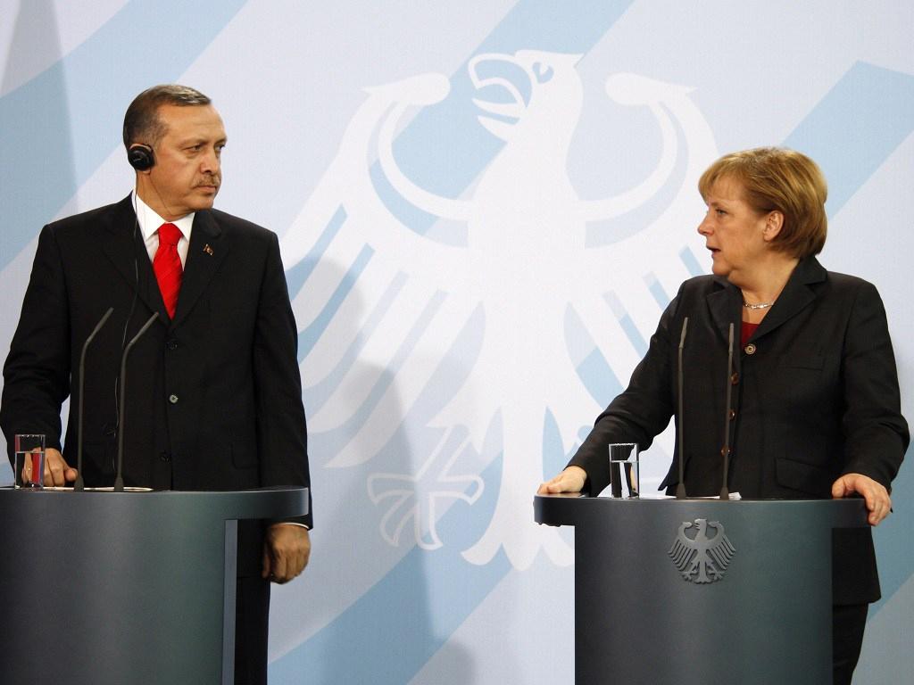 Turska: Razgovarali Erdoan i Merkel