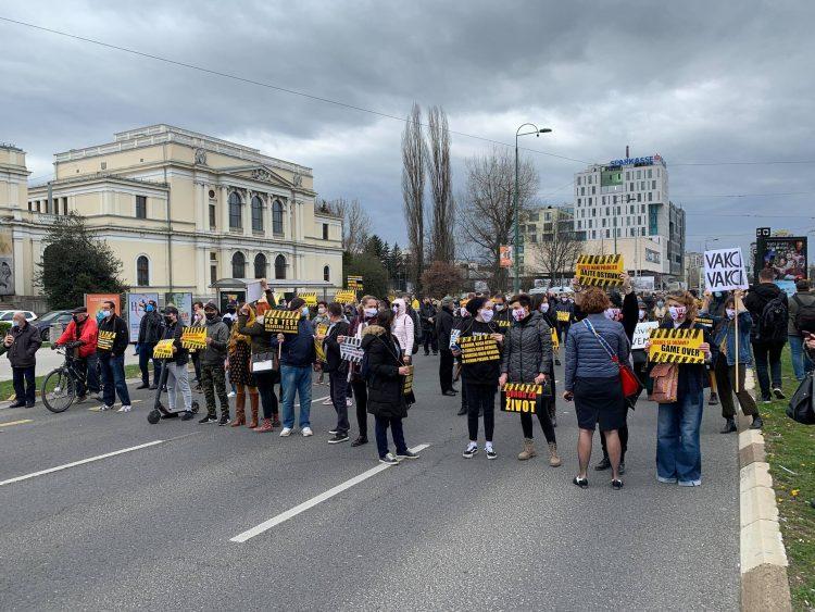 BiH: Protesti protiv mera i vlasti nesposobne da obezbede vakcine