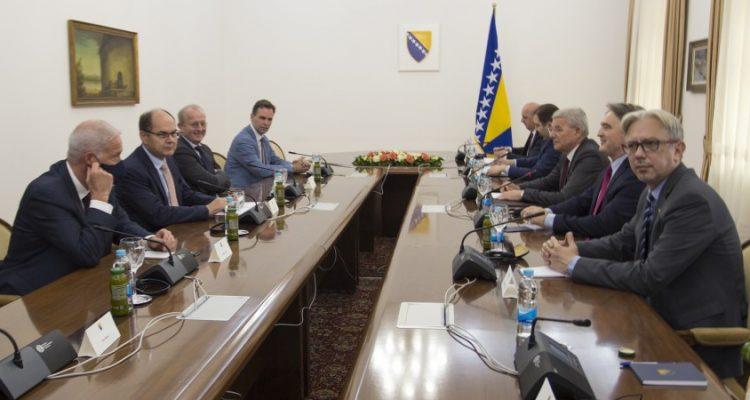 BiH: Šmit se sastao sa delom Predsedništva BiH