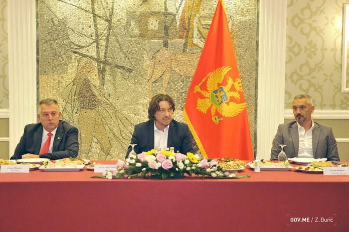 Crna Gora: Ekstremi pripremaju radikalizaciju situacije na Cetinju