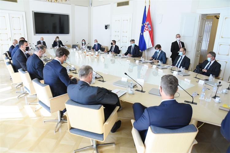 Hrvatska: Vlada traži rešenja za prekoračenja po tekućim računima građana